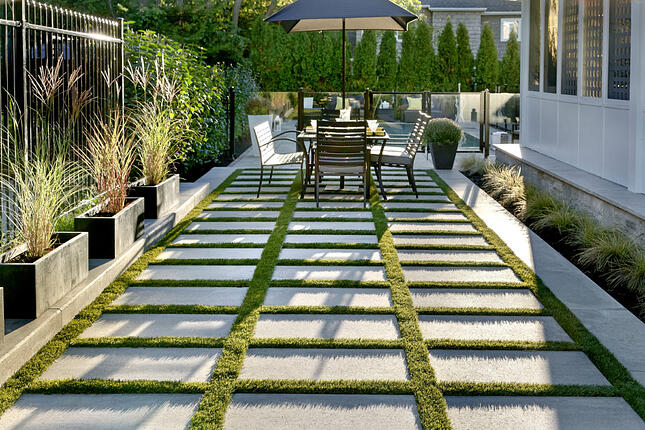 15 Not So Obvious Ways To Maximize Your Narrow Backyard
