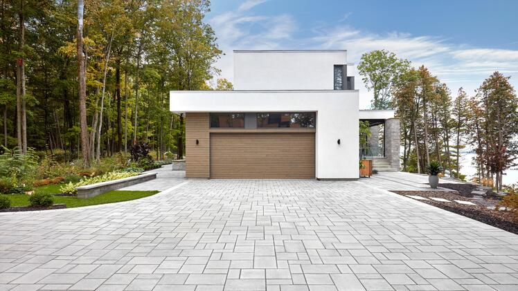 Blu Smooth paver in shale grey
