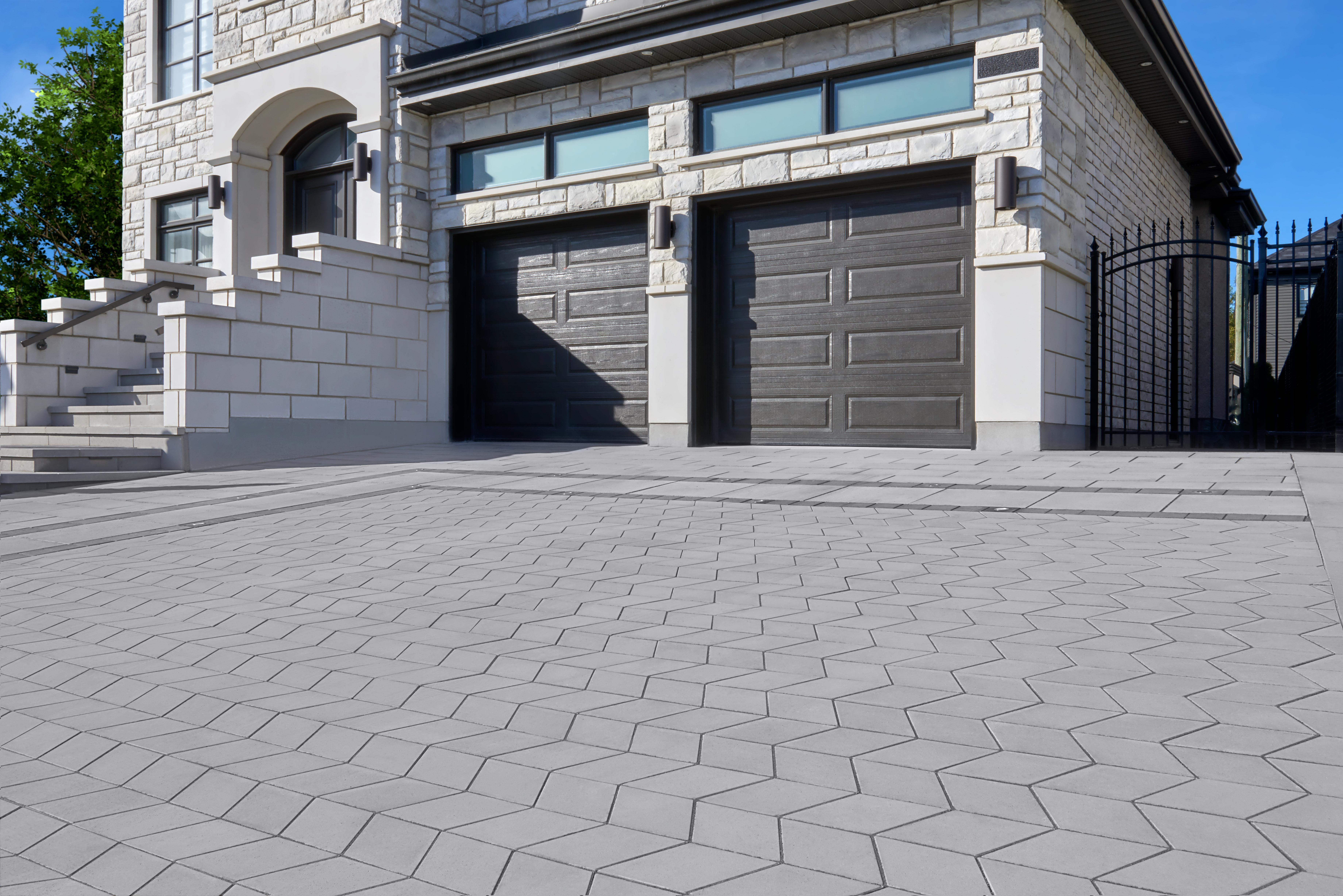 Diamond Smooth Pavers in charcoal