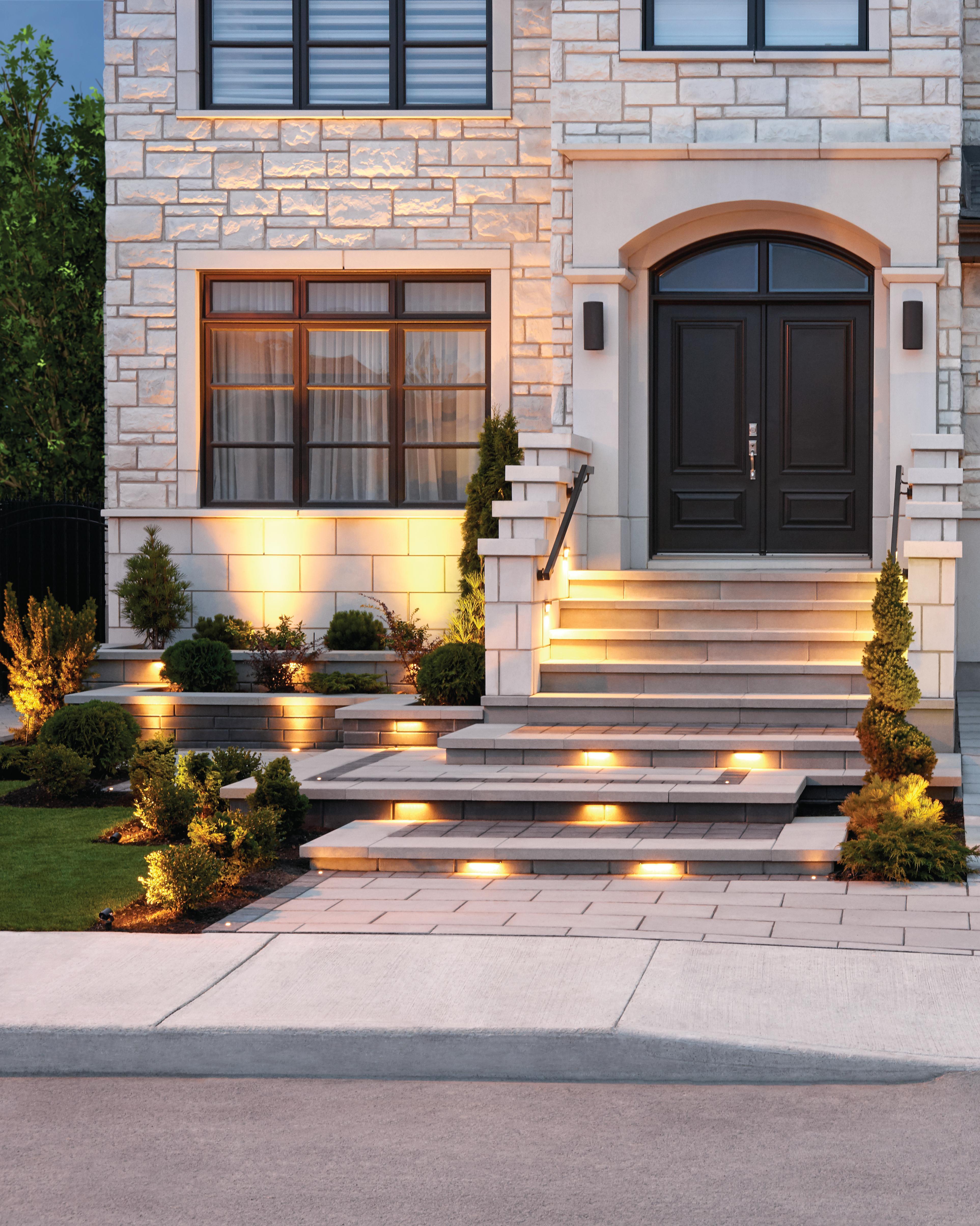 Front-yard-Raffinato-steps