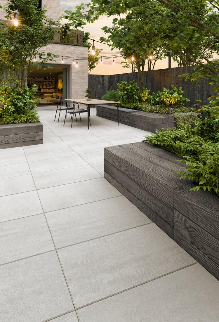 Blu Grande Smooth patio slab and Borealis retaining wall