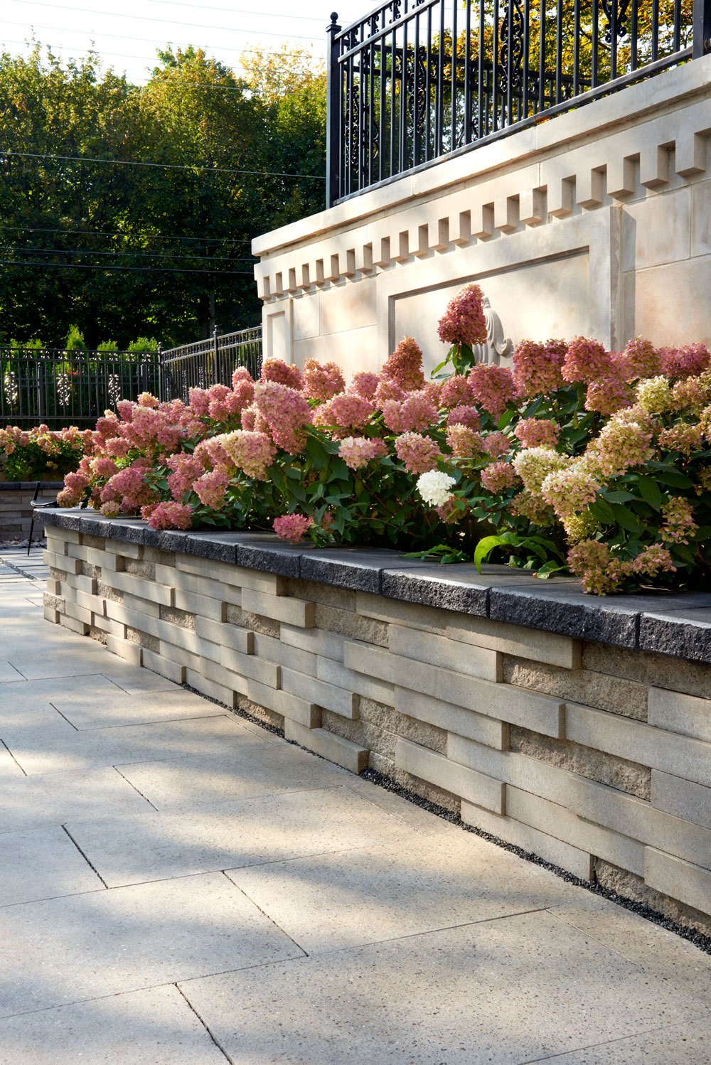 20 Retaining Wall Ideas For Your Front Yard Landscape